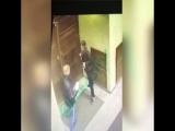 Безумный мигрант нападает на ФСБ в Питере.