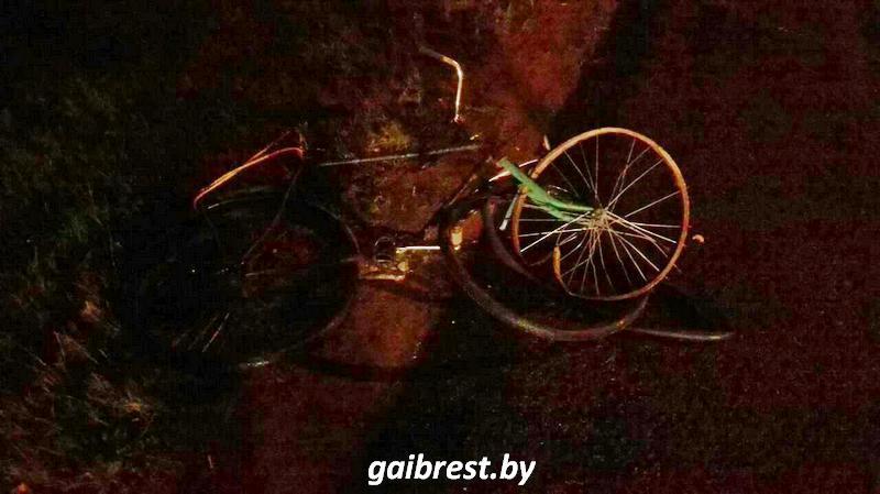 Очередная жертва осени: в Каменецком районе в результате ДТП погиб велосипедист