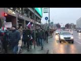 Забастовочная прогулка продолжается на Новом Арбате