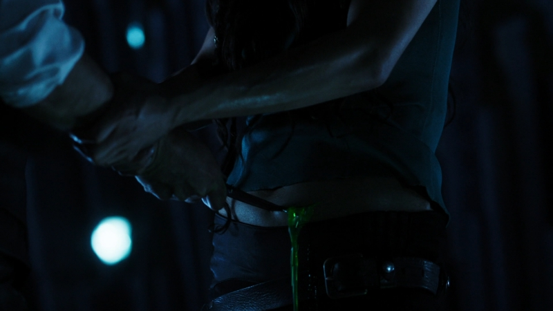 Киллджойс | Killjoys (2017) S03E09 1080p LostFilm Отрывок - В далёком прошлом в Квадро пришёл дьявол