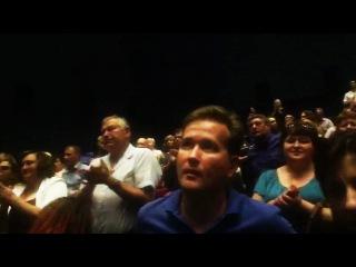 Сурковская пропаганда: Премьера фильма «Крым» в Севастополе (люди аплодируют стоя)