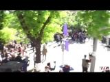 В Армении митингующие думали, что полиция положила щиты, чтобы не противостоять народу, но полиция положила щиты, чтобы надеть п