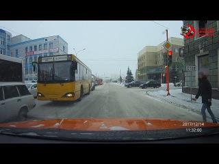 Ул. Бограда  Лада Приора О005РО24