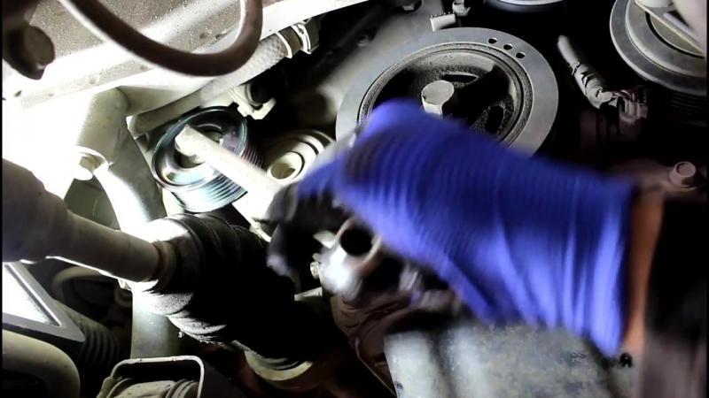 Mazda Demio (Мазда Демио) 1.3 замена приводного ремня (ручейкового) и роликов