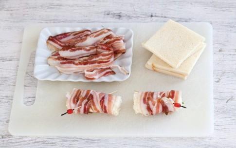 Рулетики из хлеба, бекона и сливочного сыра, изображение №5