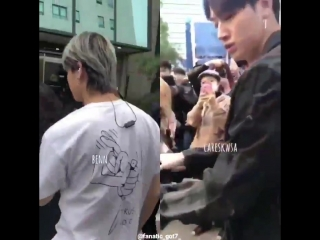 Lim jaebeom helping an ahgase getting up after she fell today.
