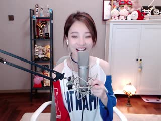 Handclap chinese girl feng timo cover (with lyrics/subtitles)