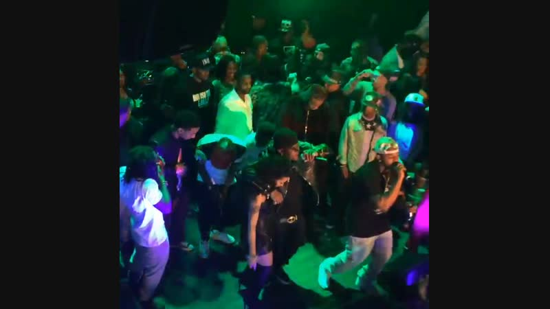 @euroneverlies Doing his thang Lastnite w @liltunechi @birdman5star We Alright allstarweekend2014 ymcmb richgang trukfit