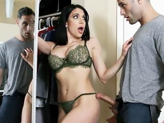 Подкрался и втихаря присунул красивой домохозяйке, секс, ебля, кунилингус, минет, измена, порно [FULL HD 1080 Sex porno]