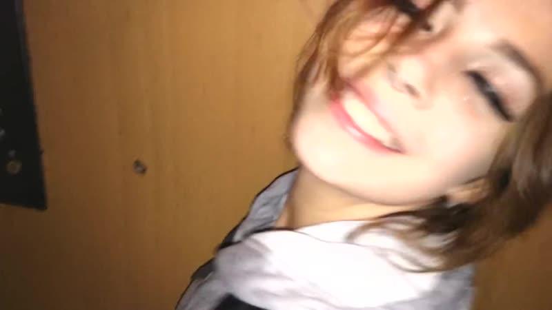 Трахнул малолетку в подъезде русскую девку минет лет