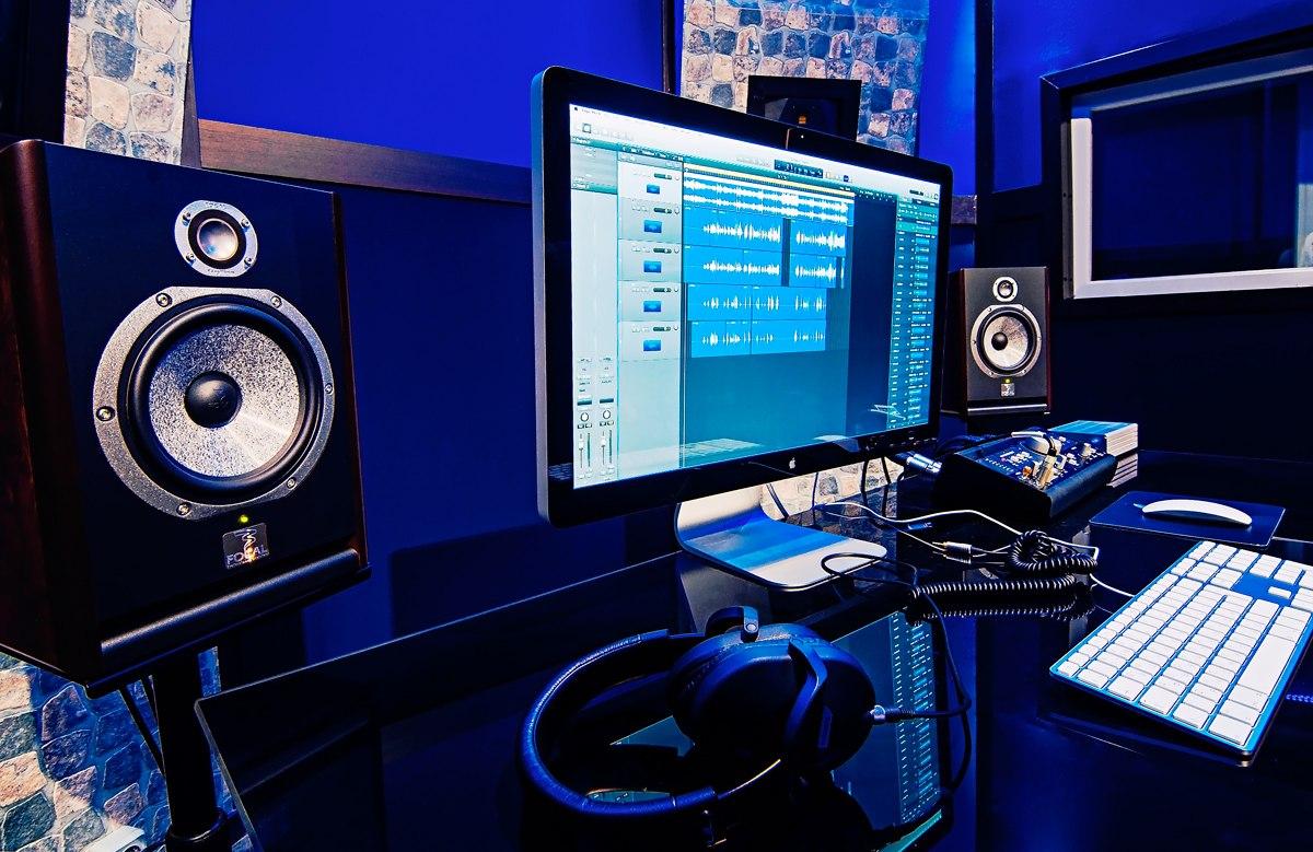 женского специалиста столы для компьютера и аудио аппаратуры фото выбрали именно этот