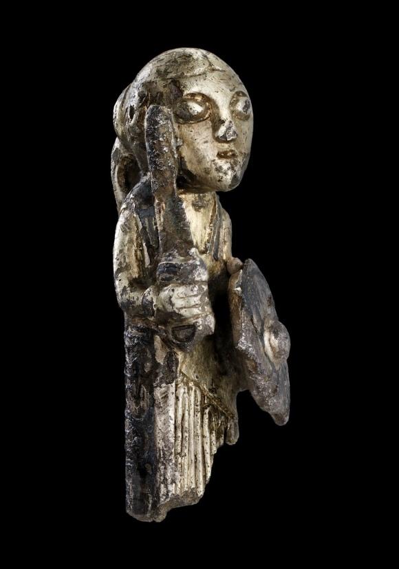Серебряная фигурка -женщина викинг. V-VI век