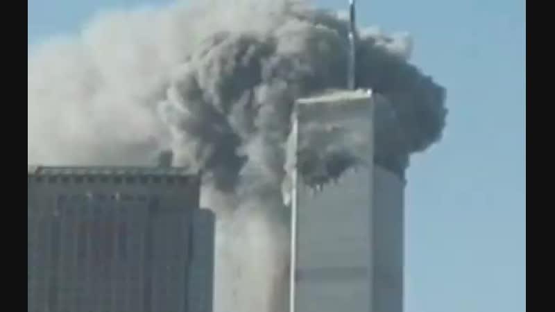 Zaber ktory odvysielala CNN nazivo len raz mohutny oblak dymu pod dvojickami a dvojicky este stoja 1