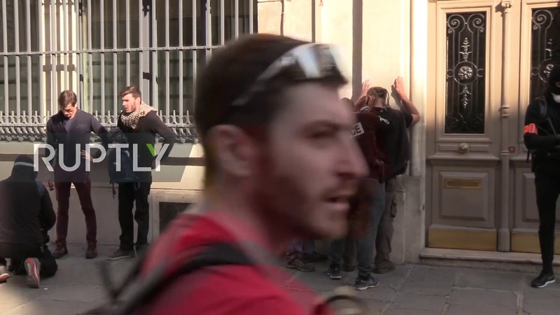 France: Tensions rise as 'Yellow Vests' march in Paris