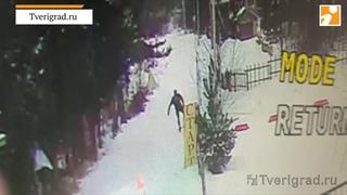 Под Тверью легковушка сбила лыжника на спортивной трассе