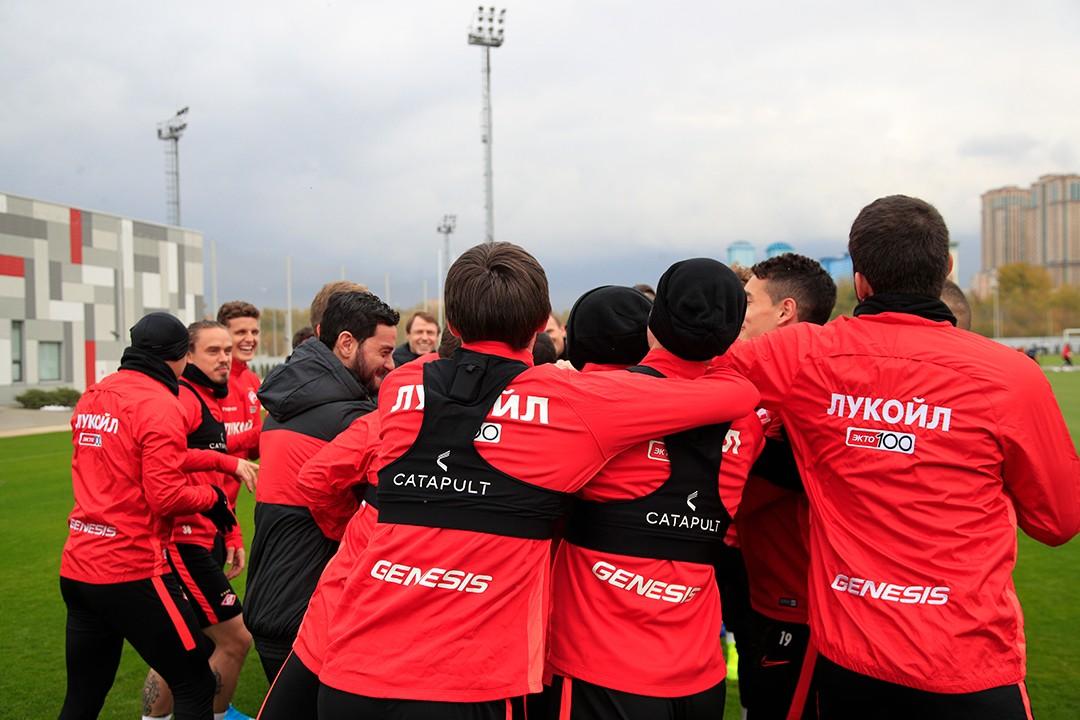 Спартаковцы потренировались накануне матча с «Оренбургом»