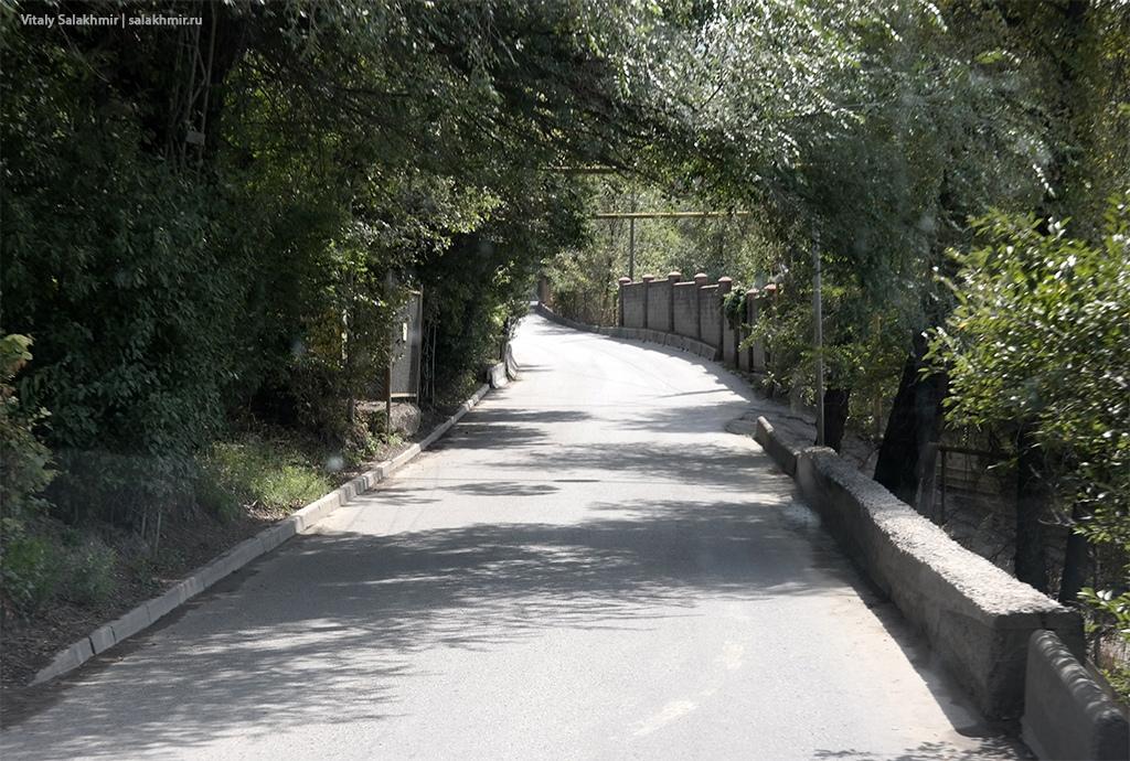 Тротуары микрорайона Тау-Самал, Казахстан, Алматы 2019