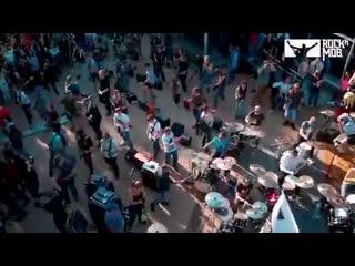 _250 музыкантов сыграли в Москве песню Металлики