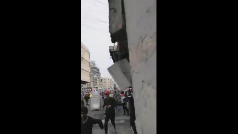 Неизвестные лица открыли стрельбу по протестующим на площади Васба в Багдаде
