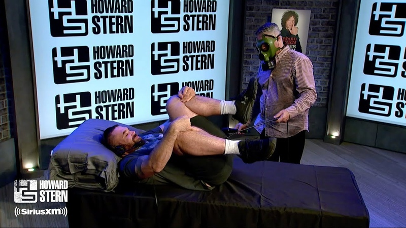 """Will the Farter Honors Howard Stern Comes Again"""" With a 21 Fart Salute"""