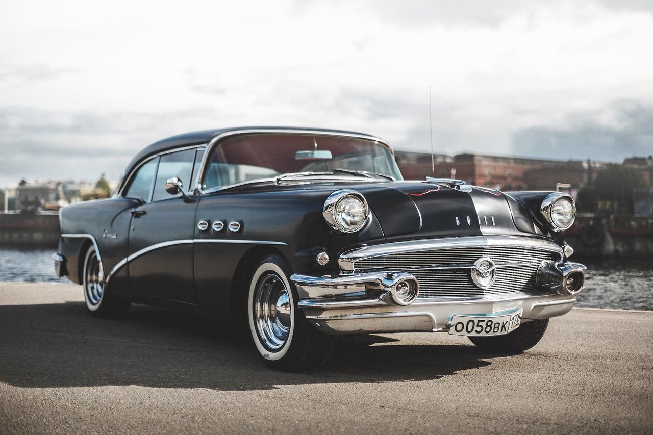19-20.10 Выставка классических автомобилей из коллекции RotFrontGarage в Севкабель порт.