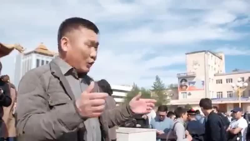 Demonstration in Elista, Kalmikiya against Trapeznikov(ex-chief of DNR)