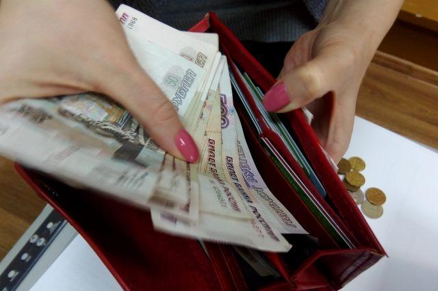 В КЧР женщина пыталась дать взятку приставу, чтобы выехать за границу