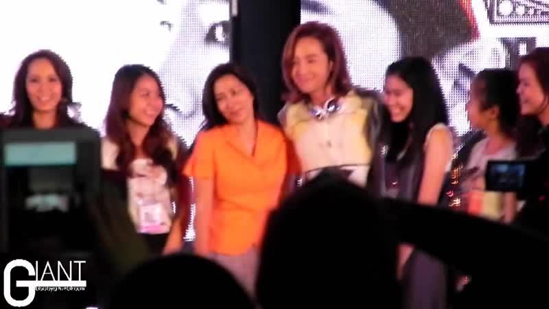 Fancam 130322 Jang KeunSuk 장근석 Take A Picture With Fans @ PressCon Thailand