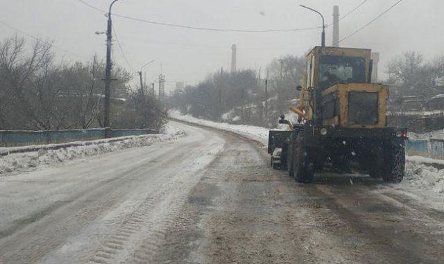 Несмотря на погоду все дороги в Лисичанске работают