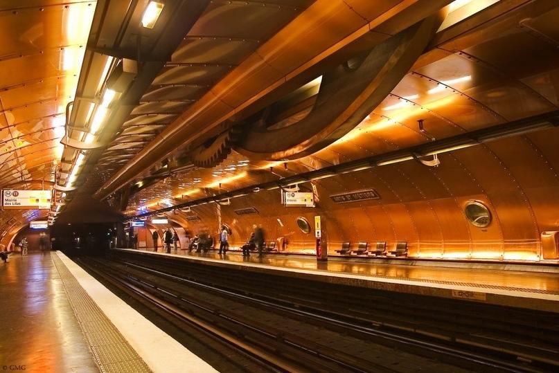 ТОП самых красивых метро, изображение №20