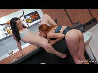 Lacy Lennon and Evelyn Claire - Jukebox Showdown - Porno, Lesbian, Porn, Порно