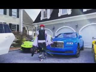 6ix9ine показывает свои автомобили