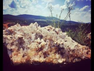 Ron coleman mining месторождение кристаллов кварца больших размеров