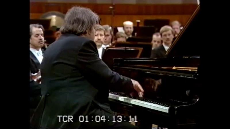 Grigory Sokolov plays Chopin Etude Op 25 No 12 in C minor Ocean Video 1987