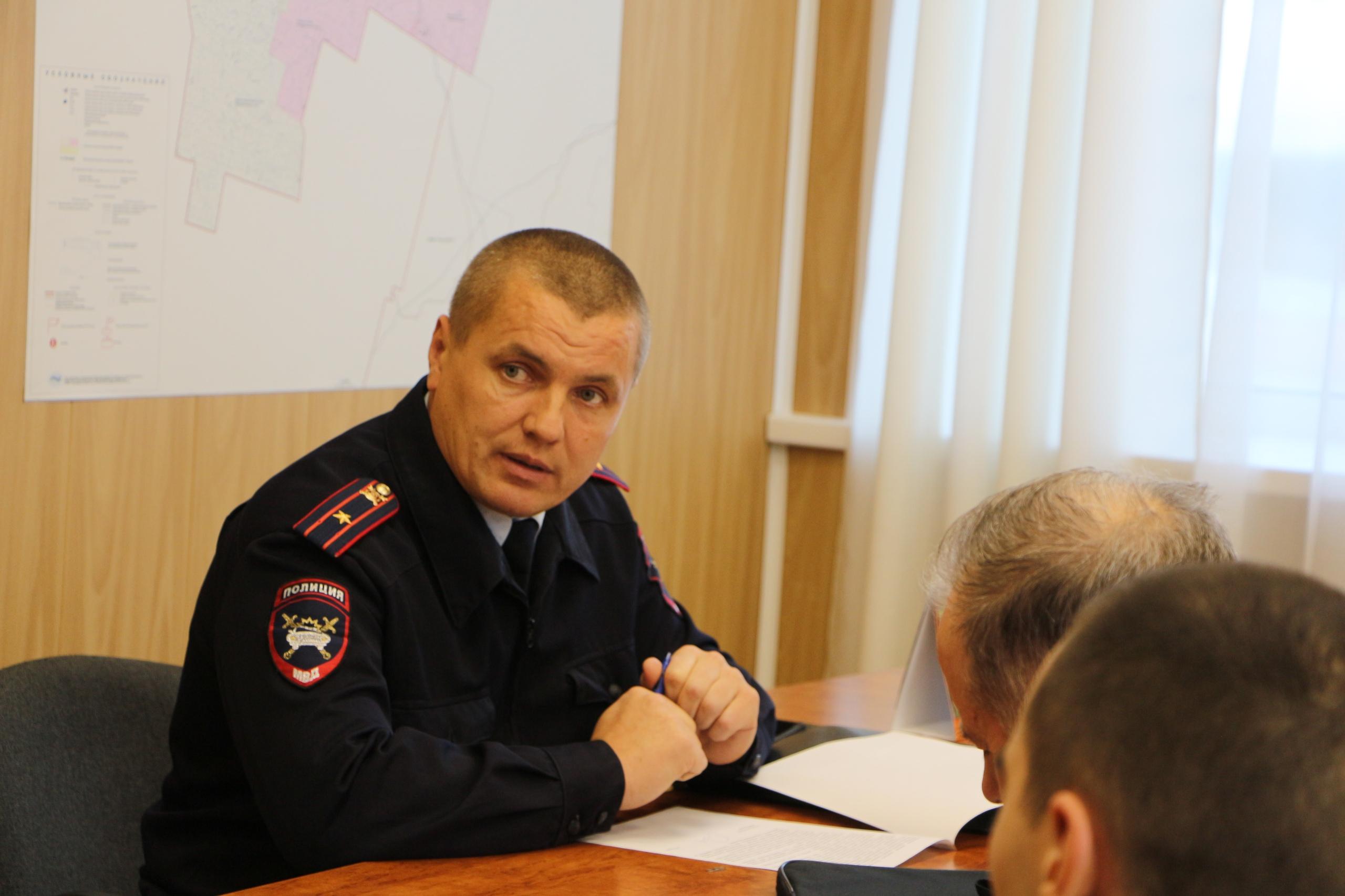 Под председательством руководителя администрации Николая Жилина прошло заседание районной комиссии по обеспечению безопасности дорожного движения
