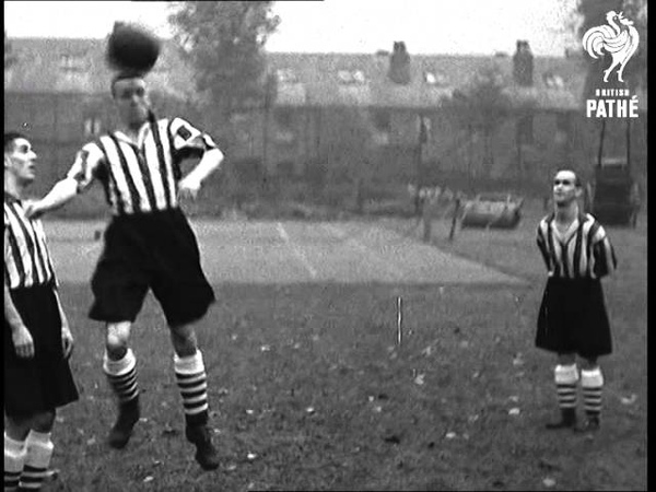 Famous Football Teams In Training No. 2 - Sheffield Wednesday (1935)