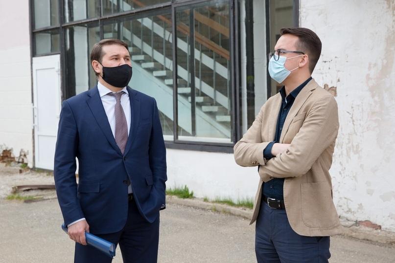 Министр культуры, туризма и архивного дела Республики Коми Сергей Витальевич Емельянов сообщил о намерении выделить финансирование на проведение поэтапных ремонтных работ