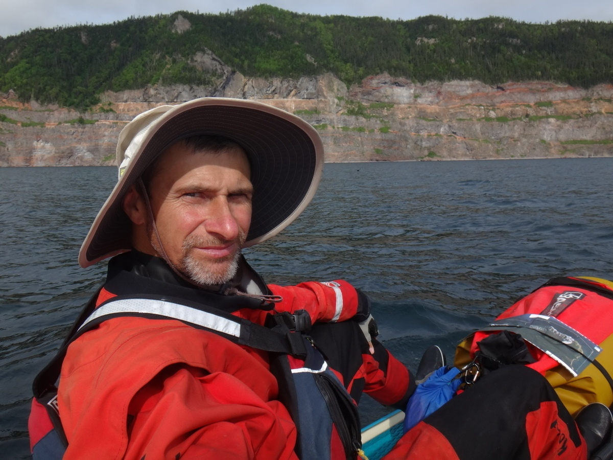 Спортсмен из Владивостока преодолел Татарский пролив на сапборде