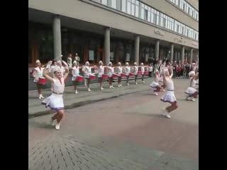Выступление прекрасных девушек и Нижнего Новгорода на Баумана