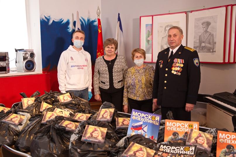 Сотрудники отеля Yalta Intourist передали подарки для ветеранов