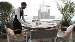 В российских ресторанах запретили курение кальянов и вейпов