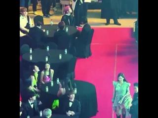 [200108] itzy's chaeryeong & taeyeon at 9th Gaon Chart Music Awards