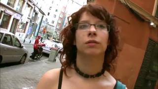 Schüchterner Teenager masturbiert Cam