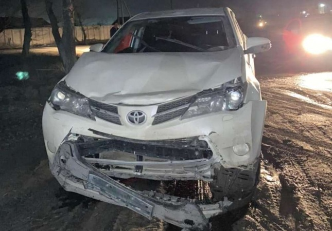 В Семее водитель врезался в автомобиль и скрылся с места ДТП