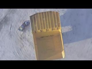 Россиянин «крутил бублики» на 240-тонном БЕЛАЗе.
