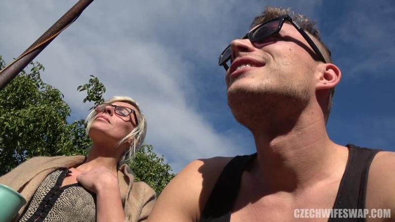 Czech wife swap 12 часть 1 | Чешский Обмен женами[MILF, Blowjob, Glasses, Hardcore, Pissing, Skinny, new porn 2019]