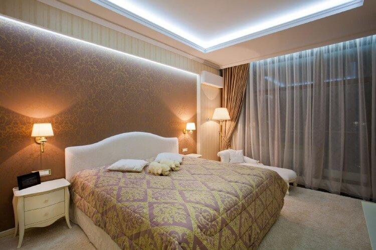 О выборе материалов для отделки стен в спальне, изображение №4