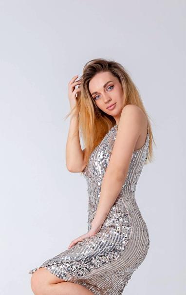 Алина ищенко куда можно девушке устроиться на работу