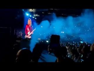 Metallica поет на русском «Группу крови» Виктора Цоя