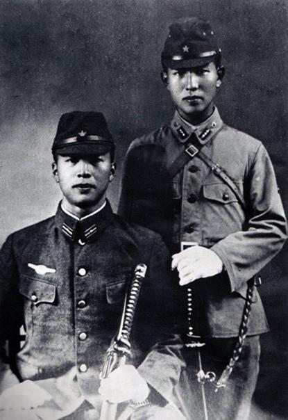 ЯПОНСКИЙ СОЛДАТ, КОТОРЫЙ НЕ ПРИЗНАЛ ОКОНЧАНИЯ ВТОРОЙ МИРОВОЙ ВОЙНЫ Этого человека звали Хиру Онода - он служил в японской императорской армии и не признал поражения Японии в 1945м году. Старший